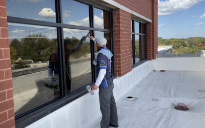 Top Benefits of Hiring a Professional Window Cleaning Service